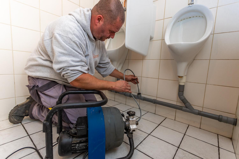 ontstoppingdienst vanthillo wc onstoppen leiding